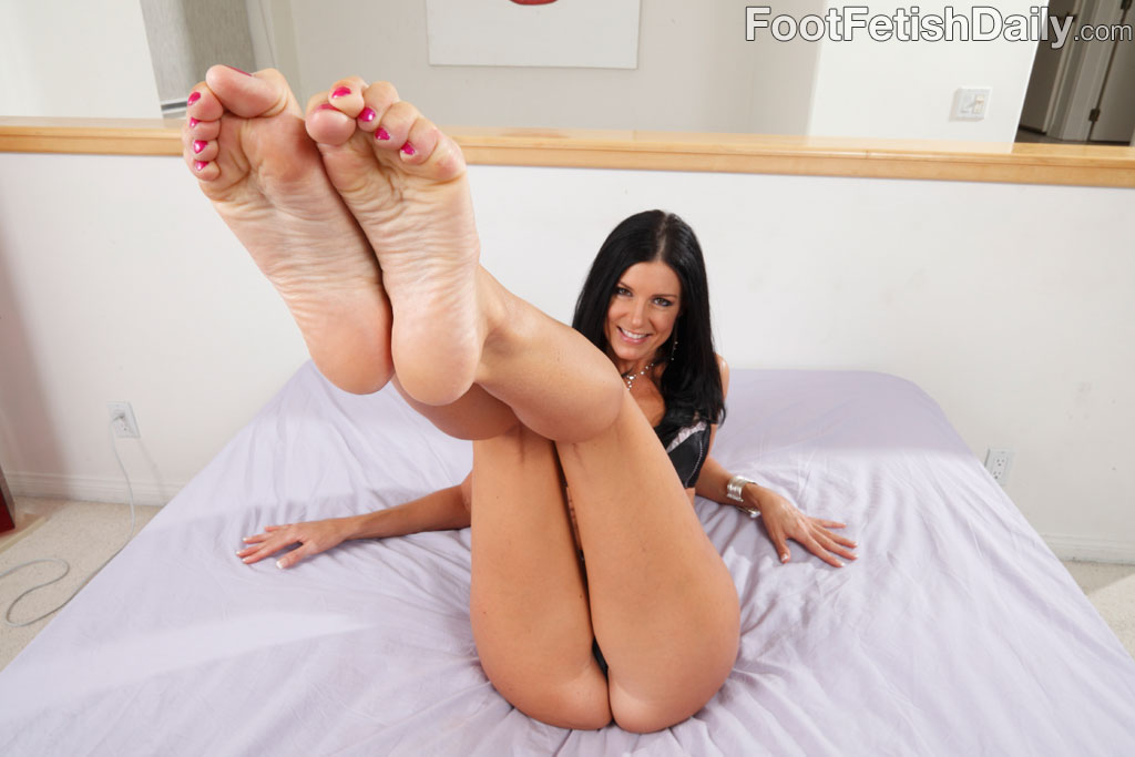 Hot milf foot fetish