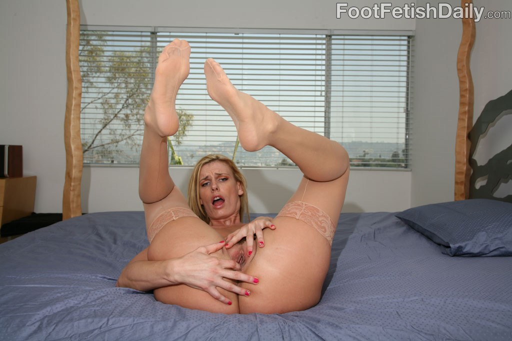 Very grateful fetish feet milf nude apologise, but