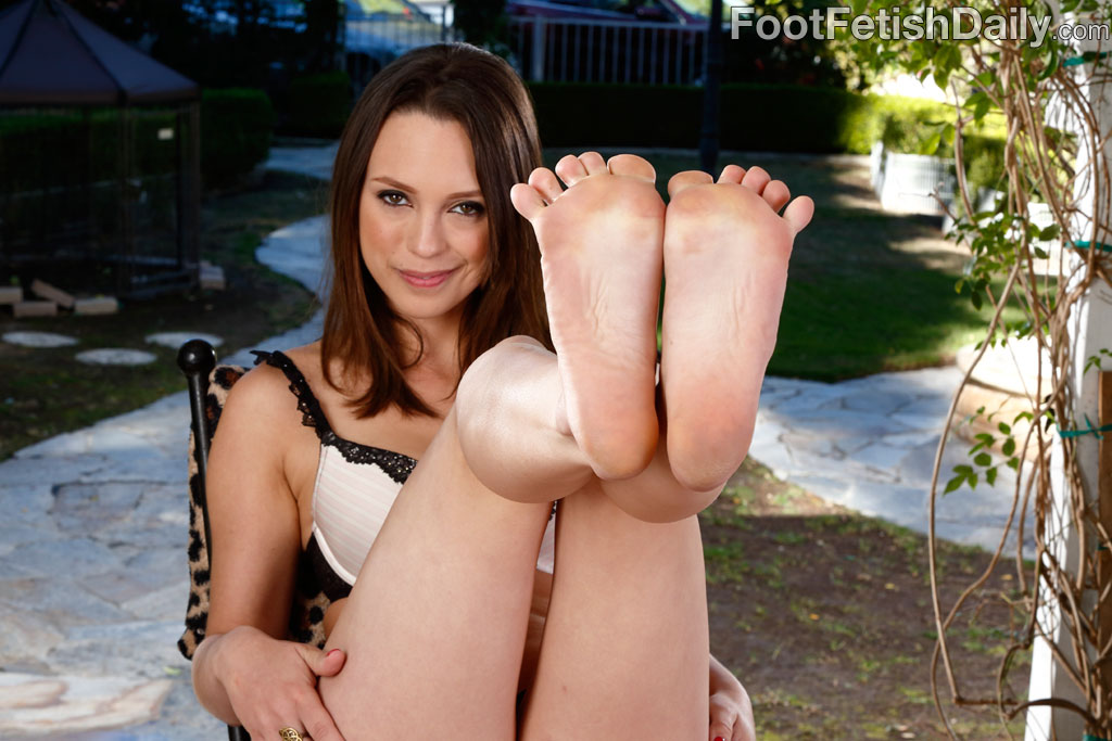 Jade nile footjob