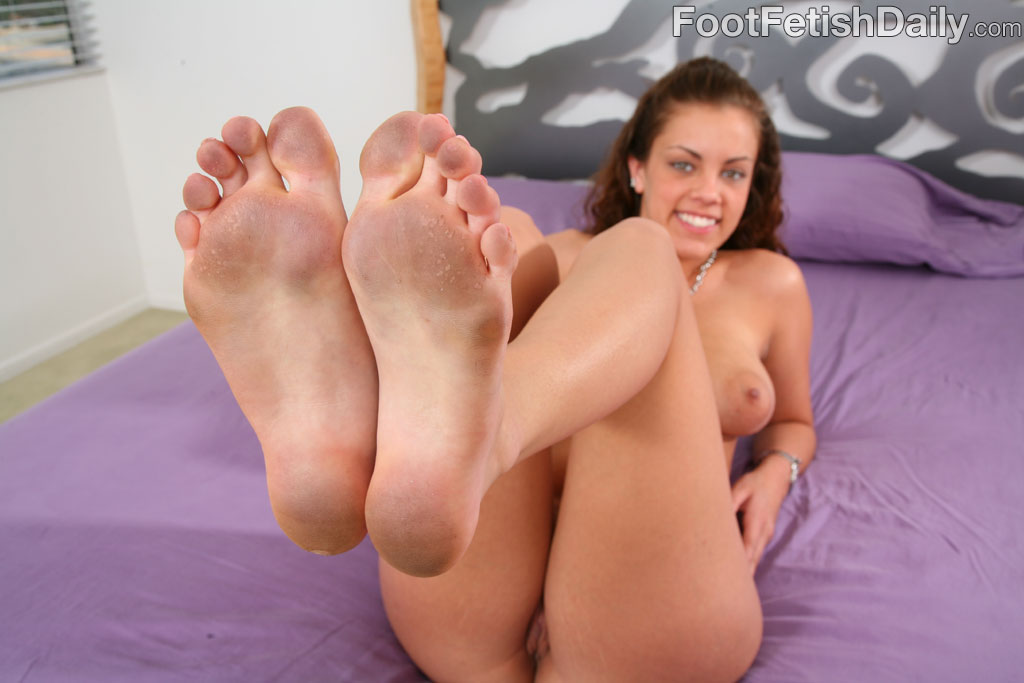 Dirty footjob gallery
